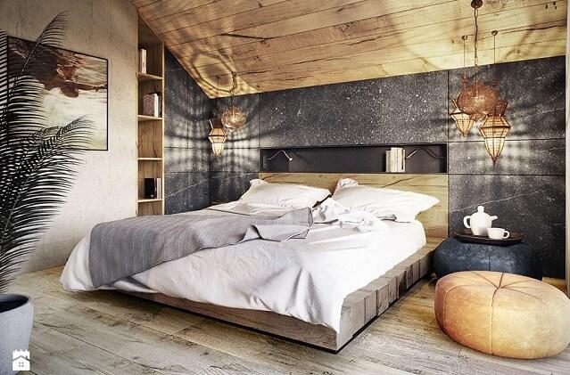 Sypialnia na poddaszu w drewnie