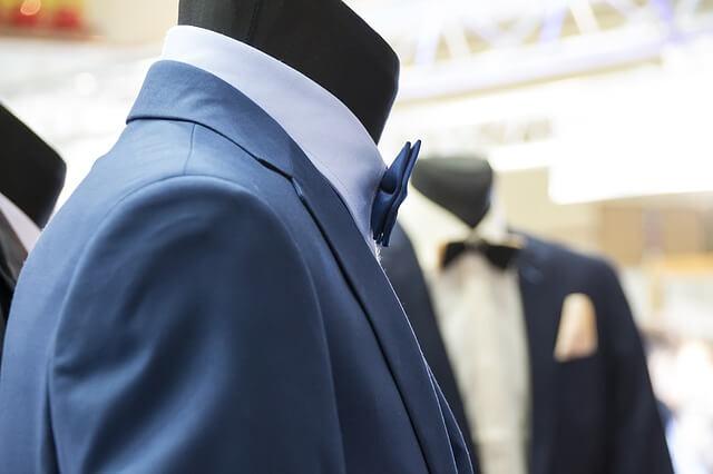 Niebieski garnitur Pana młodego