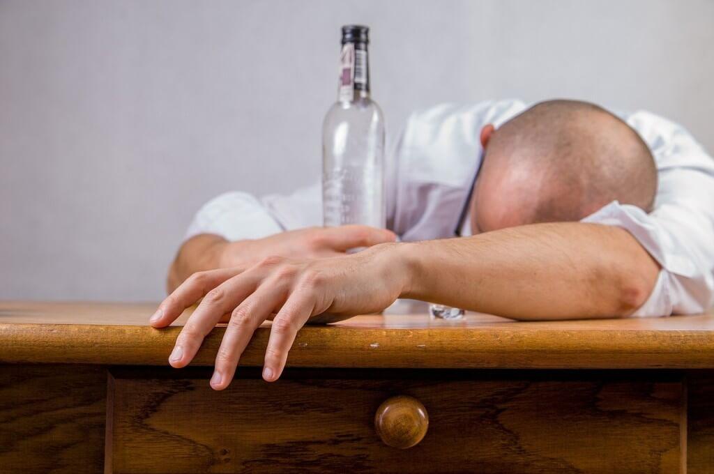 Człowiek uzależniony od alkoholu