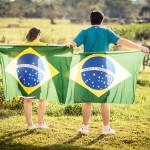brazylia-flagi-ludzie