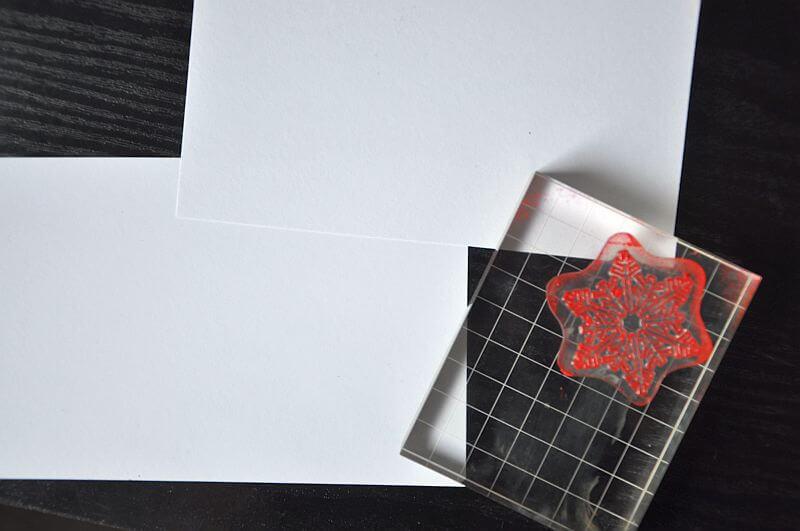 kartka ręcznie robiona wycinanie szablonu