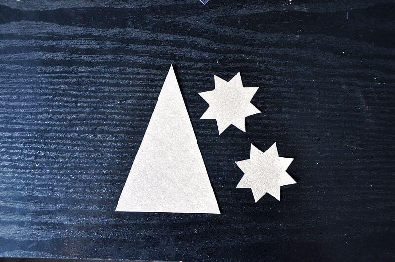 kartka robiona ręcznie gwiazdka i trójkąt