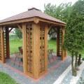 kupić czy zbudować drewnianą altanę