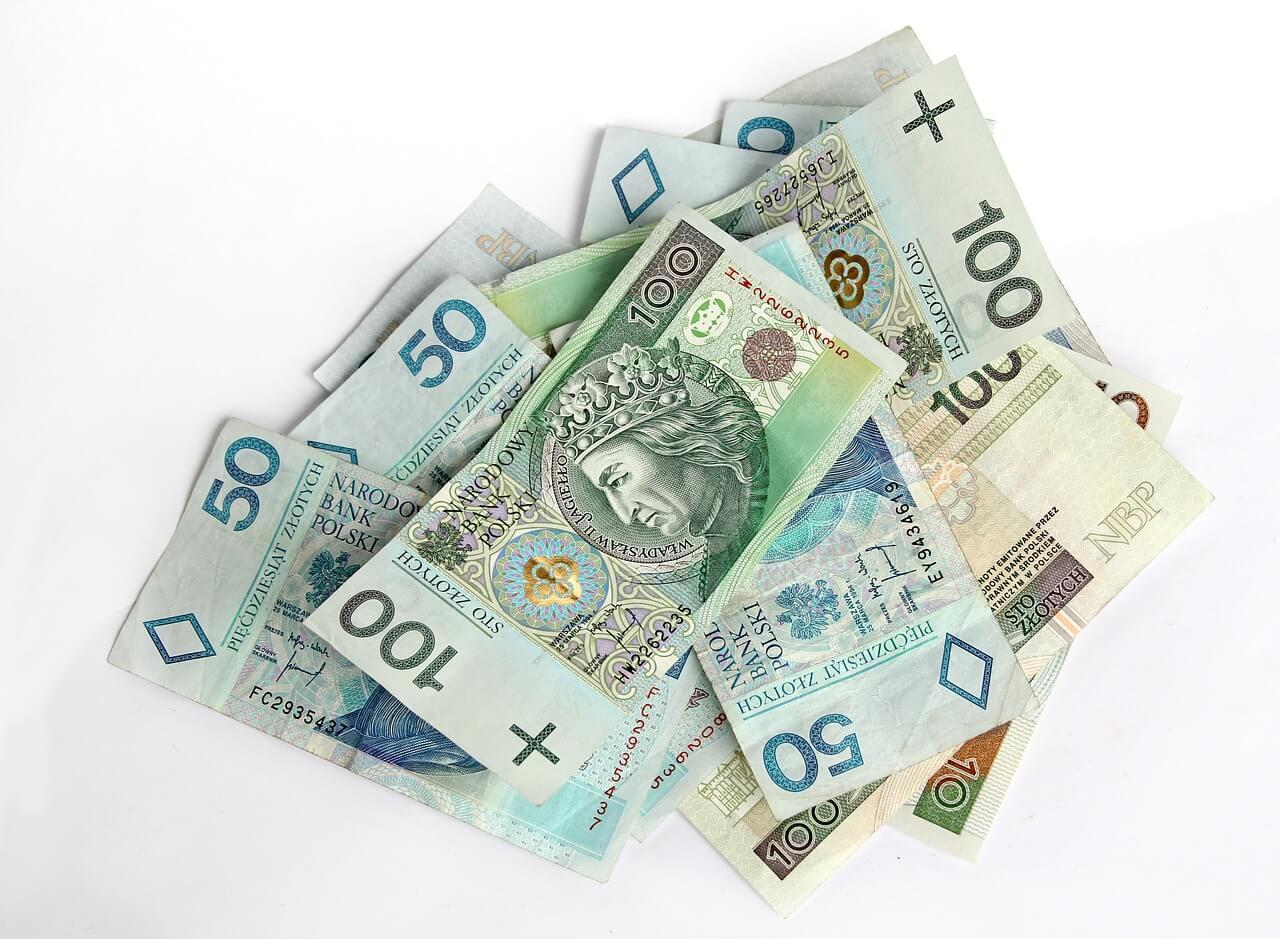 różnice między kredytem a pożyczką