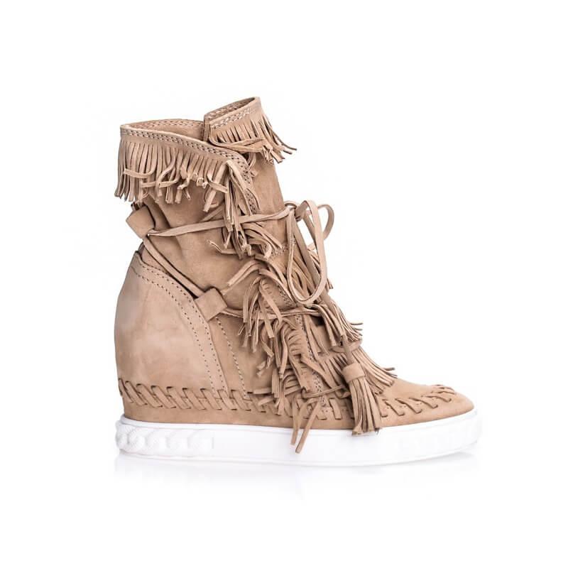 Sneakersy – eleganckie i sportowe połączenie butów dla kobiet