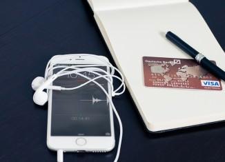 Telefon oraz karta płatnicza