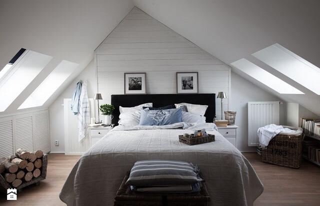 Sypialnia na poddaszu dwuspadowym