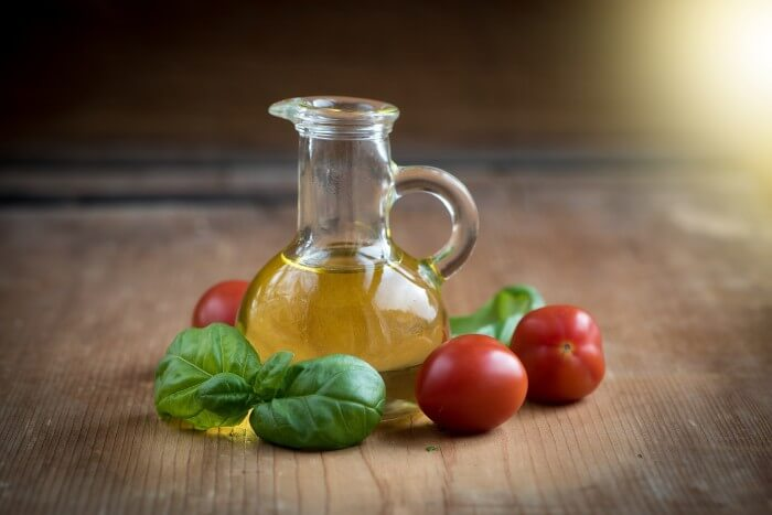 oliwa z oliwek w butelce