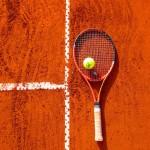 rakieta-tenisowa-kort