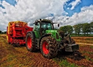 traktor maszyny rolnicze