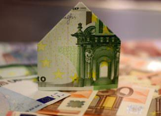 Dom z banknotu