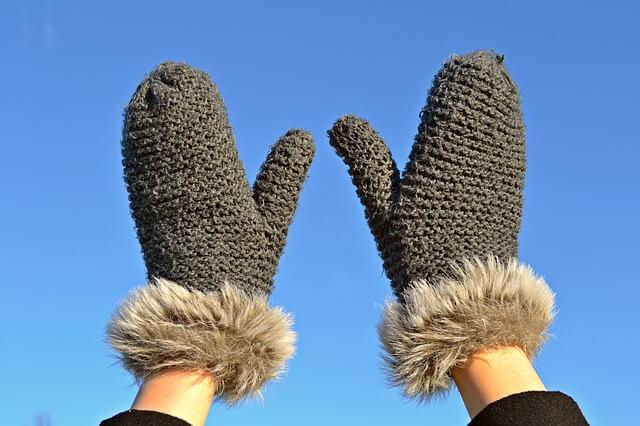 Zimne dłonie, co to oznacza?
