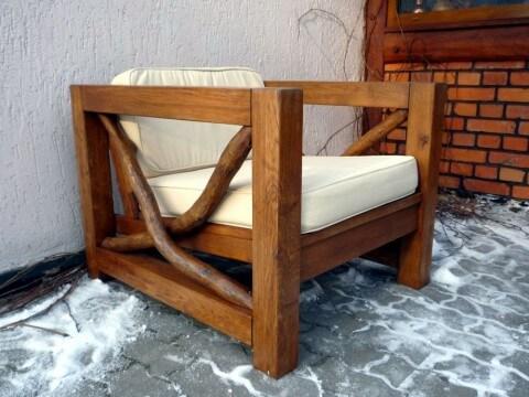 Fotel ogrodowy zimą