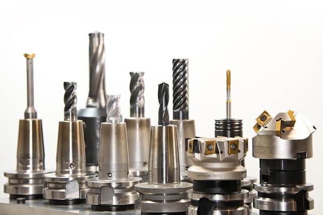 Podstawowe i zaawansowane akcesoria do elektronarzędzi