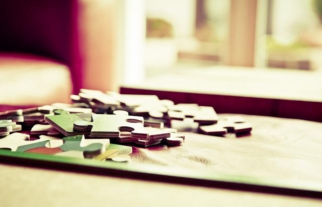 Puzzle 3D, panoramy, piankowe… jakie rodzaje puzzli wybrać dla dziecka?