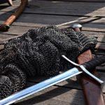 kolczuga-miecze