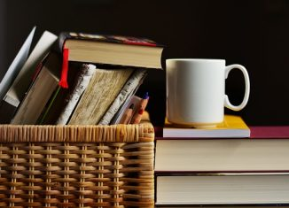 Książki i kubek