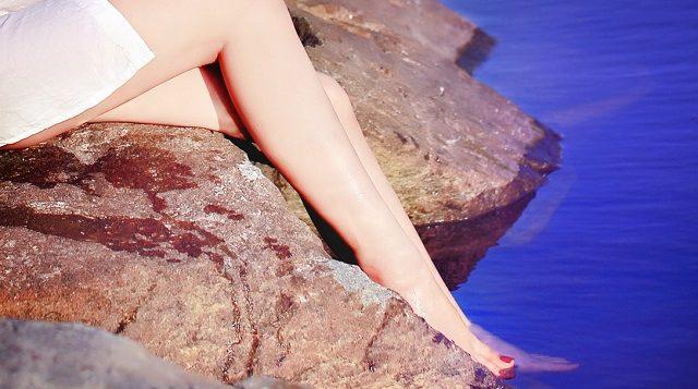 kobiece gładkie nogi