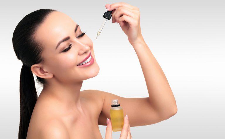 Dobór olejku do cery – jak wybrać najlepszy produkt pielęgnacyjny?