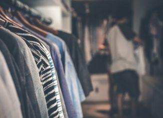 Ubrania w sklepie