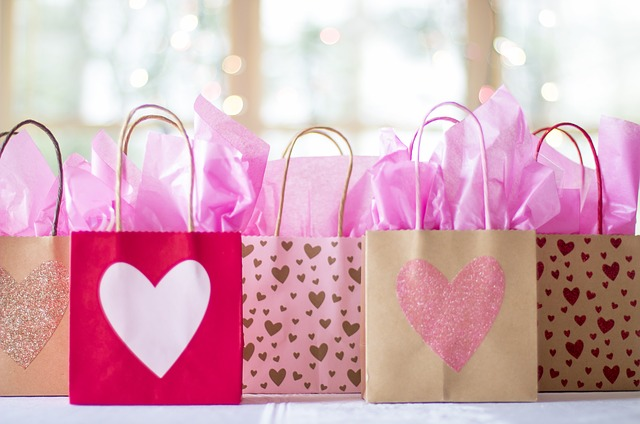 """Jaki prezent na ślub? Co podarować w prezencie ślubnym zamiast """"koperty""""?"""
